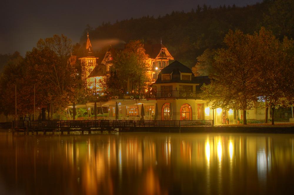 Nice house on lake