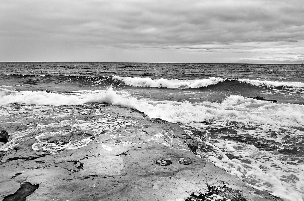 Seaside in black and white